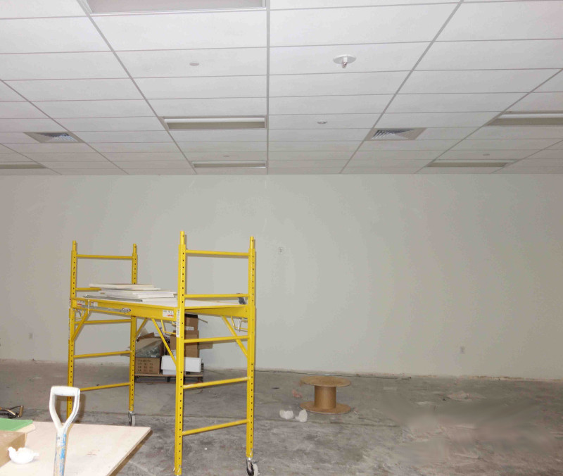 Cortex Commercial Construction DFW - Ceiling tile installation